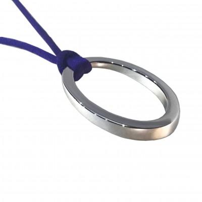 pendentif OH d'ohdislemoi, avec son anneau iconique